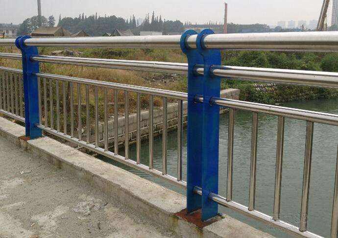 泰州不銹鋼橋梁護欄